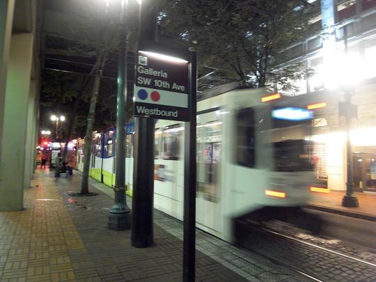 空港と市街地を繋ぐポートランド版路面電車、MAX LIGHTTRAIL