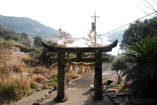 小学校の裏にある鎮守神社からの眺め