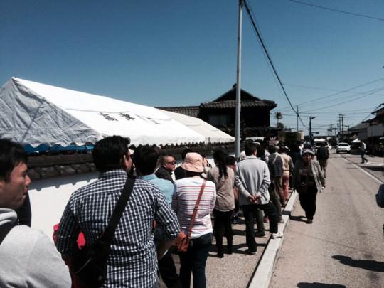 「世界の鍋島」富久千代酒造の有料試飲には長蛇の列。