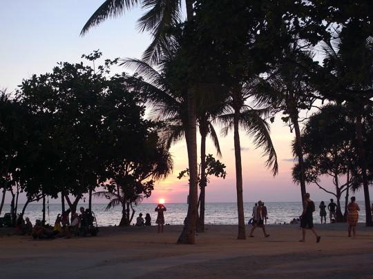 パトンビーチからの夕暮れ
